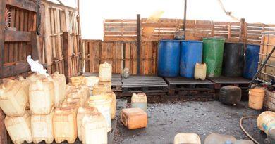Asegura Fiscalía 3 mil litros de hidrocarburo en Acayucan