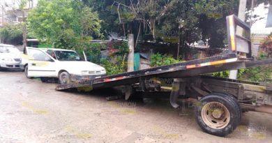 Aseguran automóvil robado en Tuxpan