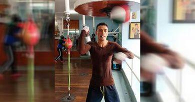 Boxeador veracruzano Gusano Rojas, buscará otro título mundial
