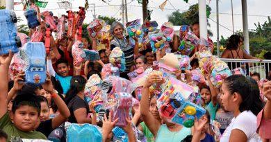 Celebran de Día de Reyes en Tlapacoyan, entregan más de 12 mil juguetes