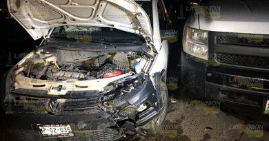 Chocan camionetas en la Plan de Ayala, un lesionado