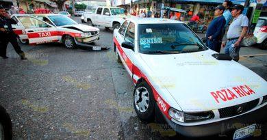 Choque de taxis en el centro de Poza Rica deja 3 lesionados
