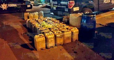 Decomisan 5,000 litros de combustible en Venustiano Carranza