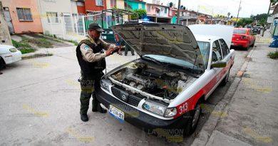 Desvalijan taxien el fraccionamiento Kawatzin