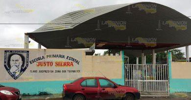 Domo de primaria de Tuxpan en mal estado