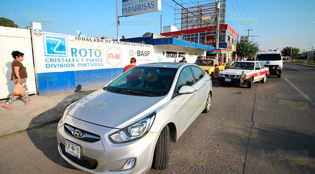Embarazada resulta lesionada en choque sobre el boulevard Adolfo Ruiz Cortines