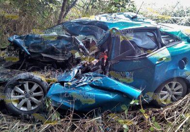 Espantosa muerte, queda prensado y destrozado en su auto en la carretera federal Tuxpan-Tampico