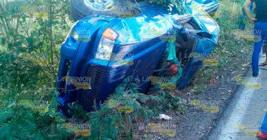 Fallece niño tras volcadura en la carretera Naranjos - Chontla