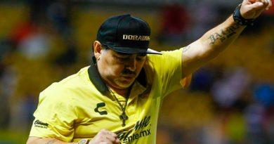 Jersey de Maradona con Dorados se agota en tiendas oficiales