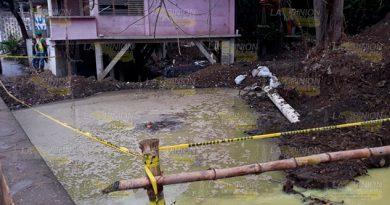 Juguera sigue contaminando agua de la zanja del Oro Verde