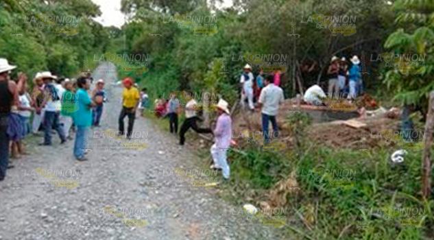 Latente contaminación manantial que corre hacia la Sierra del Totonacapan