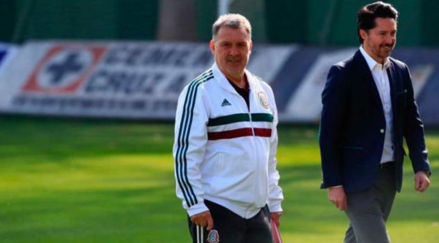 Martino visita La Noria para conocer a jugadores de Cruz Azul