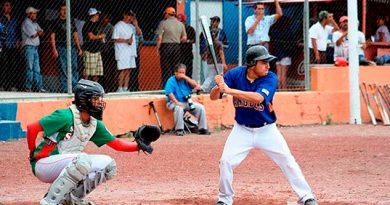 Novatos de Naranjillo aprieta en el beisbol Regional de Banderilla