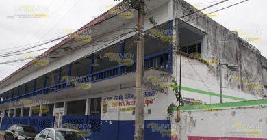 Peligran alumnos de una primaria en Poza Rica