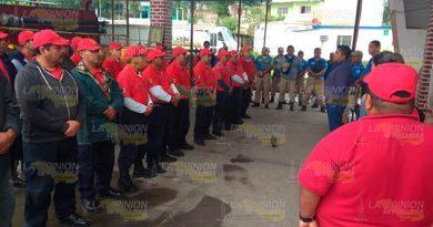 Personal de Bomberos y Protección Civil de Tuxpan piden mejoras