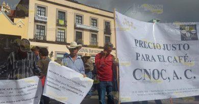 Productores de café se manifestaron en Plaza Lerdo de Xalapa contra Nestlé