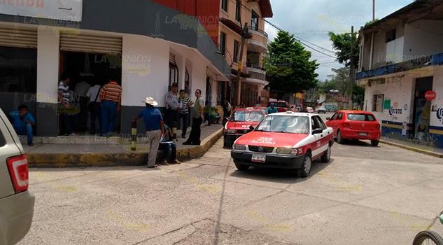 Reanudaron trámites de cambios vehiculares en Álamo
