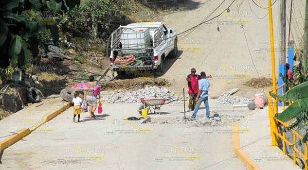 Señalan a alcaldesa de Castillo de Teayo de incurrir en fraude de obras