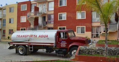 Se resisten a pagar agua en Casas Geo de Coatzintla