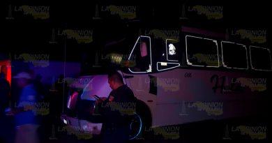 Sujetos incendian autobús en Tuxpan
