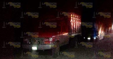 Elementos de SP aseguraron camioneta con bidones en Lázaro Cárdenas