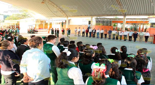 Alcalde reconoce legado histórico, recuerdan hazaña de Adolfo Rendón