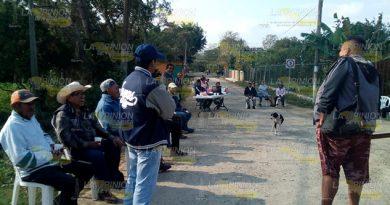 Continúa bloqueo en Miahuapan, no ha habido acuerdos