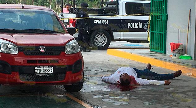 ¡Lo matan y le roban medio millón de pesos en Agua Dulce!
