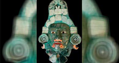 """""""La Máscara de Calakmul. Universo de jade"""" sigue su viaje gracias a réplica fiel del mosaico original"""