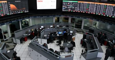Bolsa Mexicana acumula ganancia semanal de 1.74%