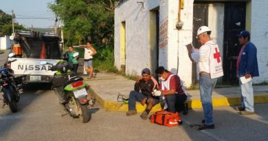 Camioneta impacta a motociclista en Gutiérrez Zamora