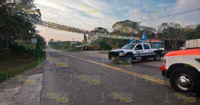 Cierre carretero por pipa volcada en la Matamoros - Puerto Juárez