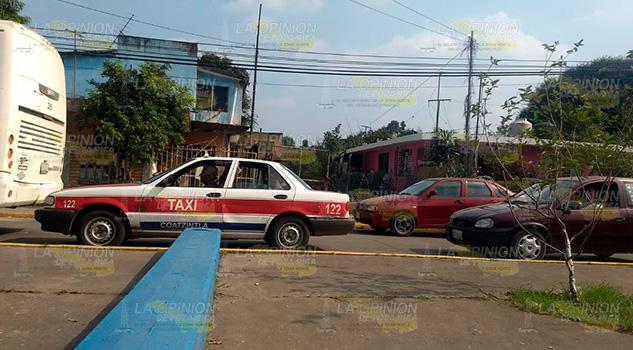 Ciudadanos se quejan de los taxistas de Coatzintla