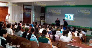 Cuidado con la violencia de género; IMM a alumnas en Cerro Azul