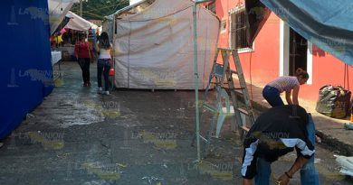 Desaloja a comerciantes instalados en pleno centro de Papantla
