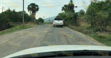 Destrozada la carretera de Mequetla a Castillo de Teayo