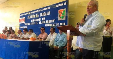 Docentes de la Sección 32 del SNTE celebran asamblea general en Papantla