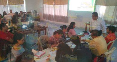Docentes toman taller de tratamiento didáctico en Espinal