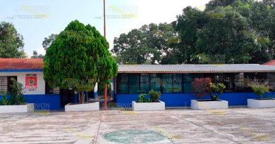 Exigen reinstalación de maestros en primaria de la comunidad Tlahuanapa