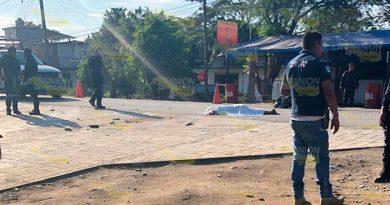 Hombre muere atropellado en la ciudad de Lázaro Cardenas