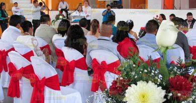 Impide la crisis económica bodas multitudinarias en Cerro Azul