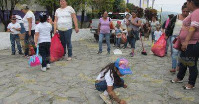 Inculcan a niños el hábito de limpieza en Tancoco