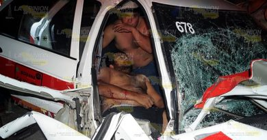 Jugaban carreritas a bordo de un taxi sobre la Tantoyuca - Acececa