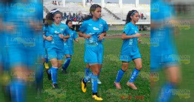 Jugadoras de Futbol Femenil Sub-17