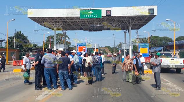 Libre pasó en el puente José López Portillo (1)