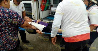 Mujer resulta herida tras caer de microbus en Tuxpan (1)