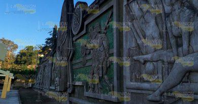 Mural de Papantla en el abandono, sufre deterioro