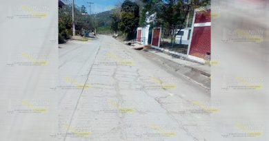 PEMEX destroza calle de la comunidad El Ojite