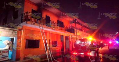 Por corto circuito se incendia casa en Gutiérrez Zamora