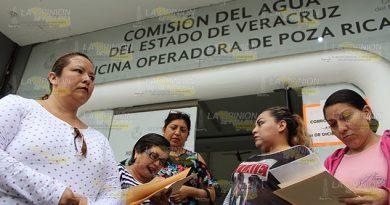 Retienen pensiones en oficina de CAEV de Poza Rica